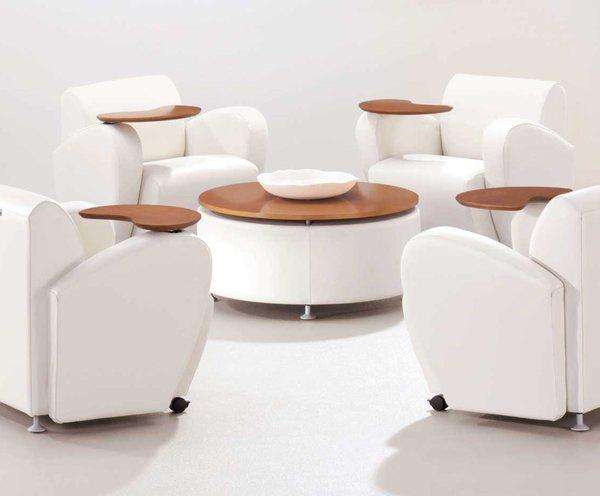 Quickship Encore Lounge