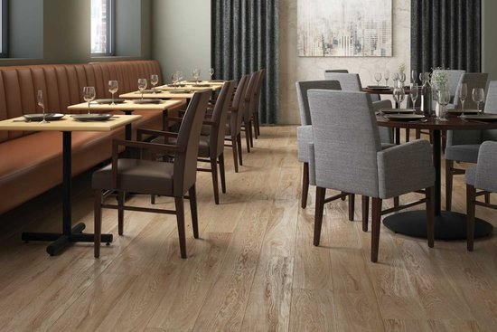 Menu tables with Avini seating